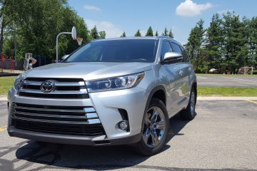 2017 Toyota Highlander Limited Platinum (AWD) – Road Test Review –  By Carl Malek