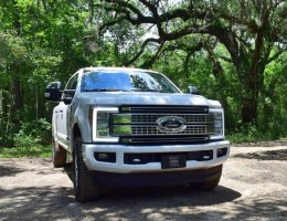 2017 Ford F-250 Super Duty 6.7L Platinum – Road Test Review w/ Videos