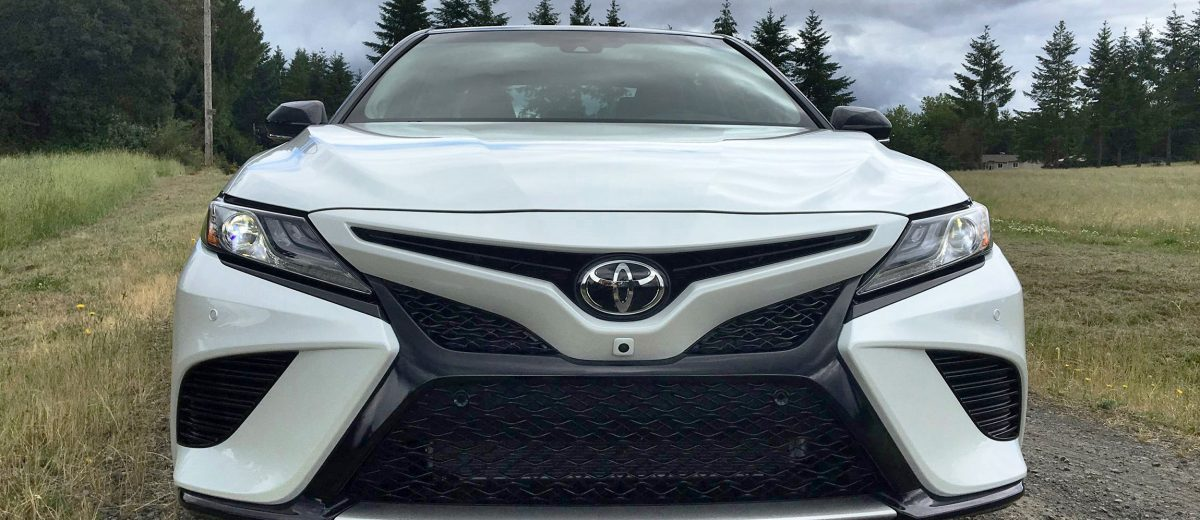 2018 toyota camry first drives of le xle and xse by zeid nasser. Black Bedroom Furniture Sets. Home Design Ideas
