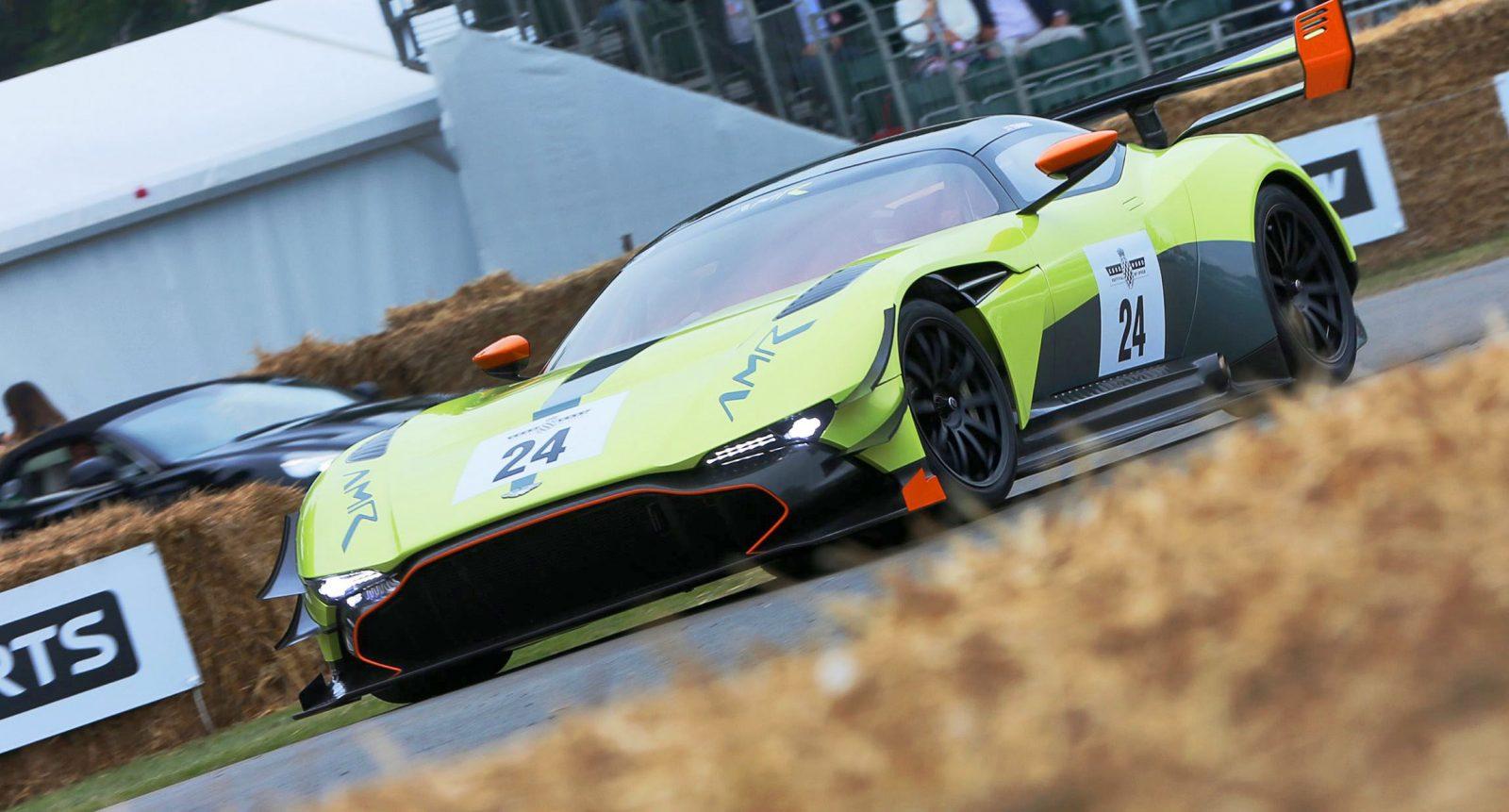 AstonMartin-02