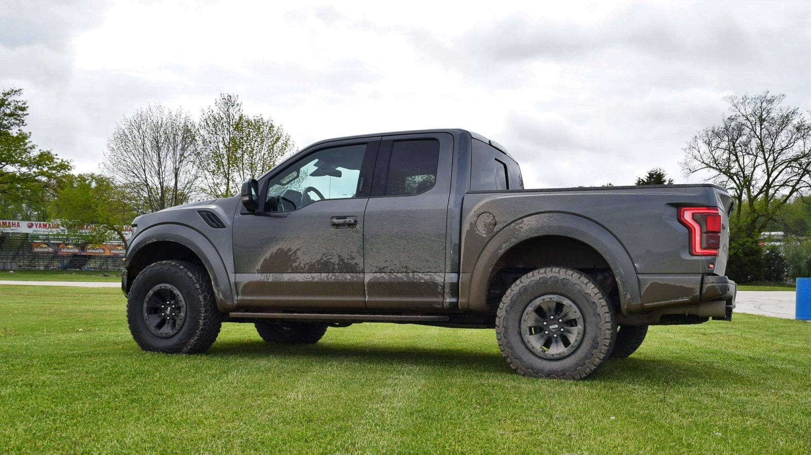 2017 ford f 150 raptor 4x4 35. Black Bedroom Furniture Sets. Home Design Ideas