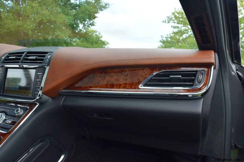 Lincoln Continental 2017 Interior 9