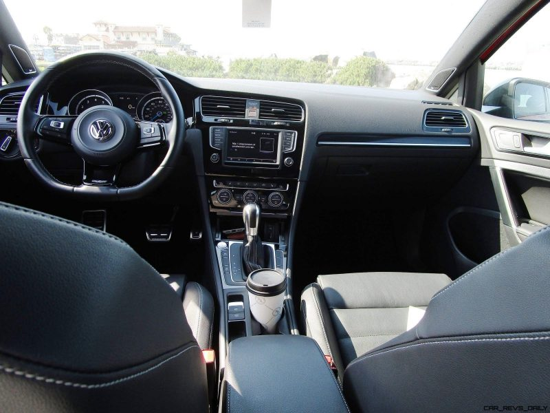 2017 VW Golf R INTERIORS 3