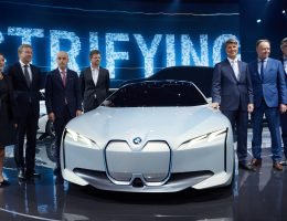 Situation Analysis: Can 2017 i Vision Dynamics Concept Save BMW?
