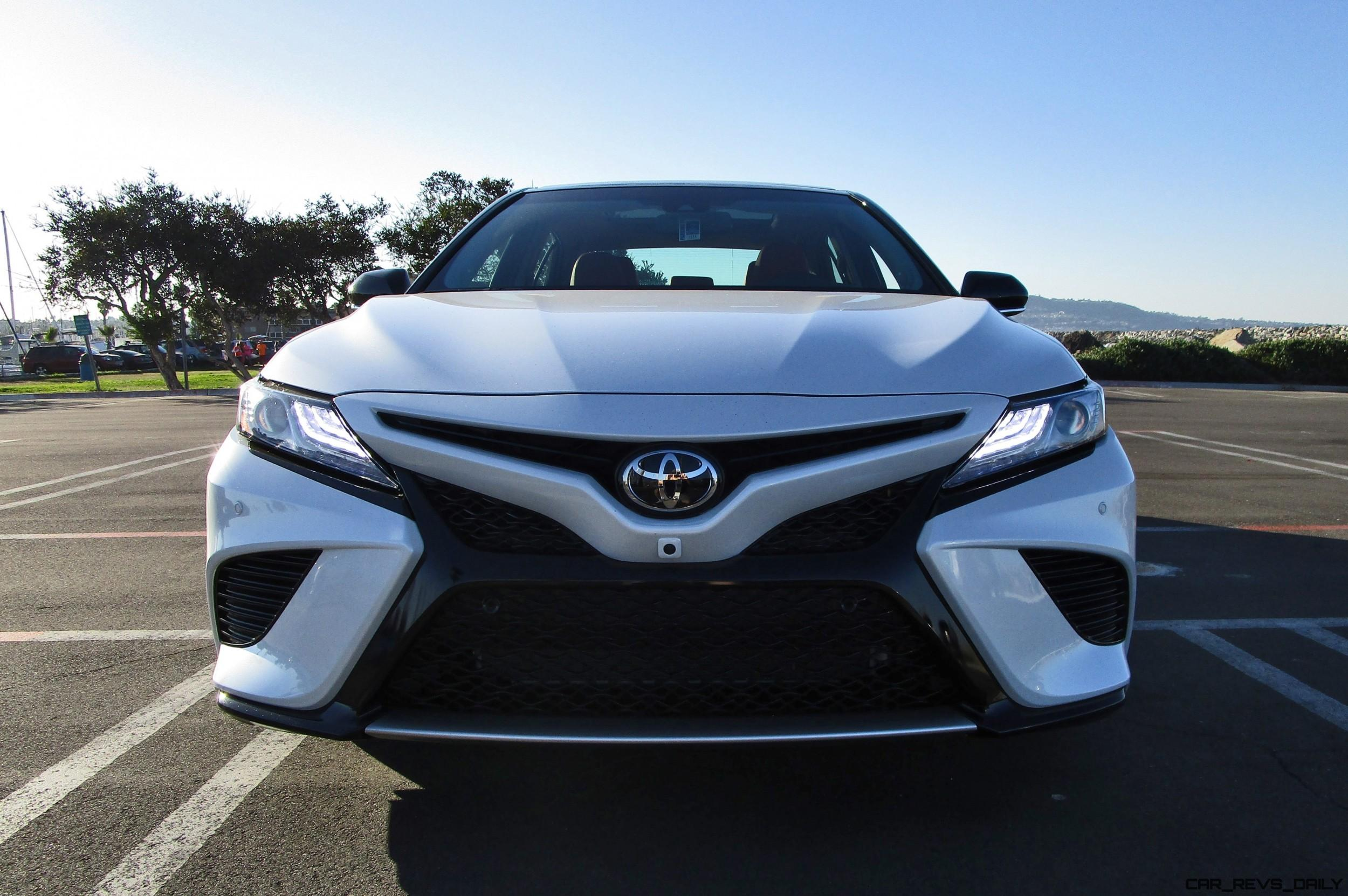 2018 toyota camry xse v6 road test review by ben lewis. Black Bedroom Furniture Sets. Home Design Ideas