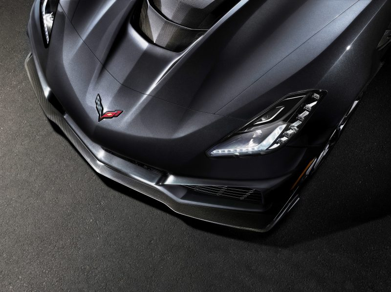2019-Chevrolet-Corvette-ZR1-006
