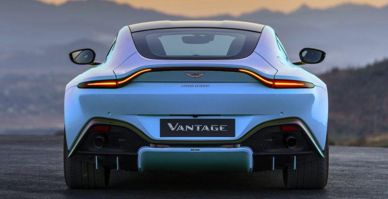 Aston-Martin-Vantage_Lime-Essence_01-tilebazsfd_004