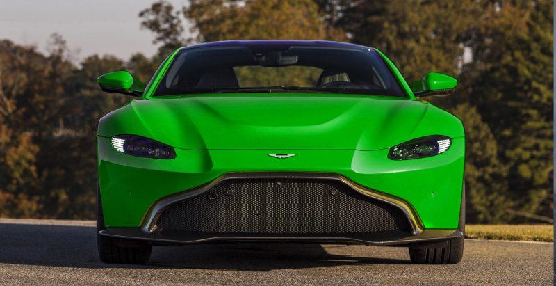 Aston-Martin-Vantage_Lime-Essence_01-tiletdfgb_003