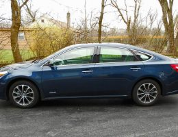 "2017 Toyota AVALON Hybrid XLE Premium – Road Test Review – By Ken ""Hawkeye"" Glassman"