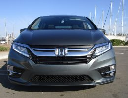2018 Honda ODYSSEY Elite – Road Test Review – By Ben Lewis