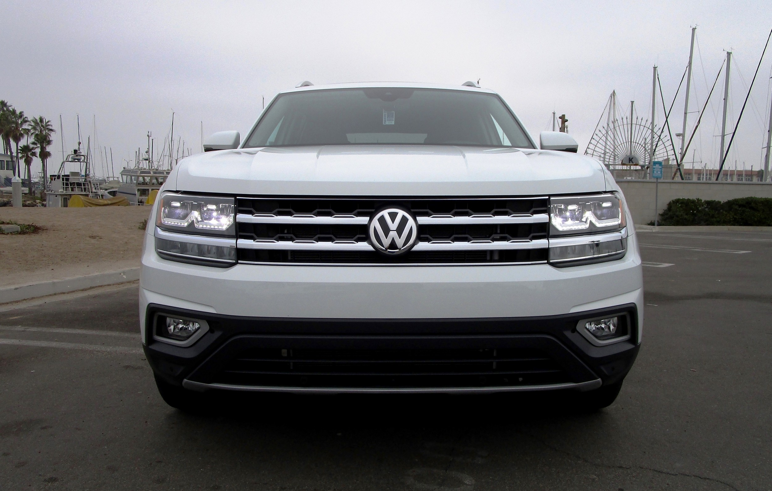 2018 volkswagen atlas v6 4motion road test review by ben lewis. Black Bedroom Furniture Sets. Home Design Ideas