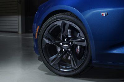 2019-Chevrolet-CamaroSS-008