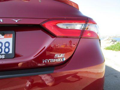2018 Toyota Camry SE Hybrid 8