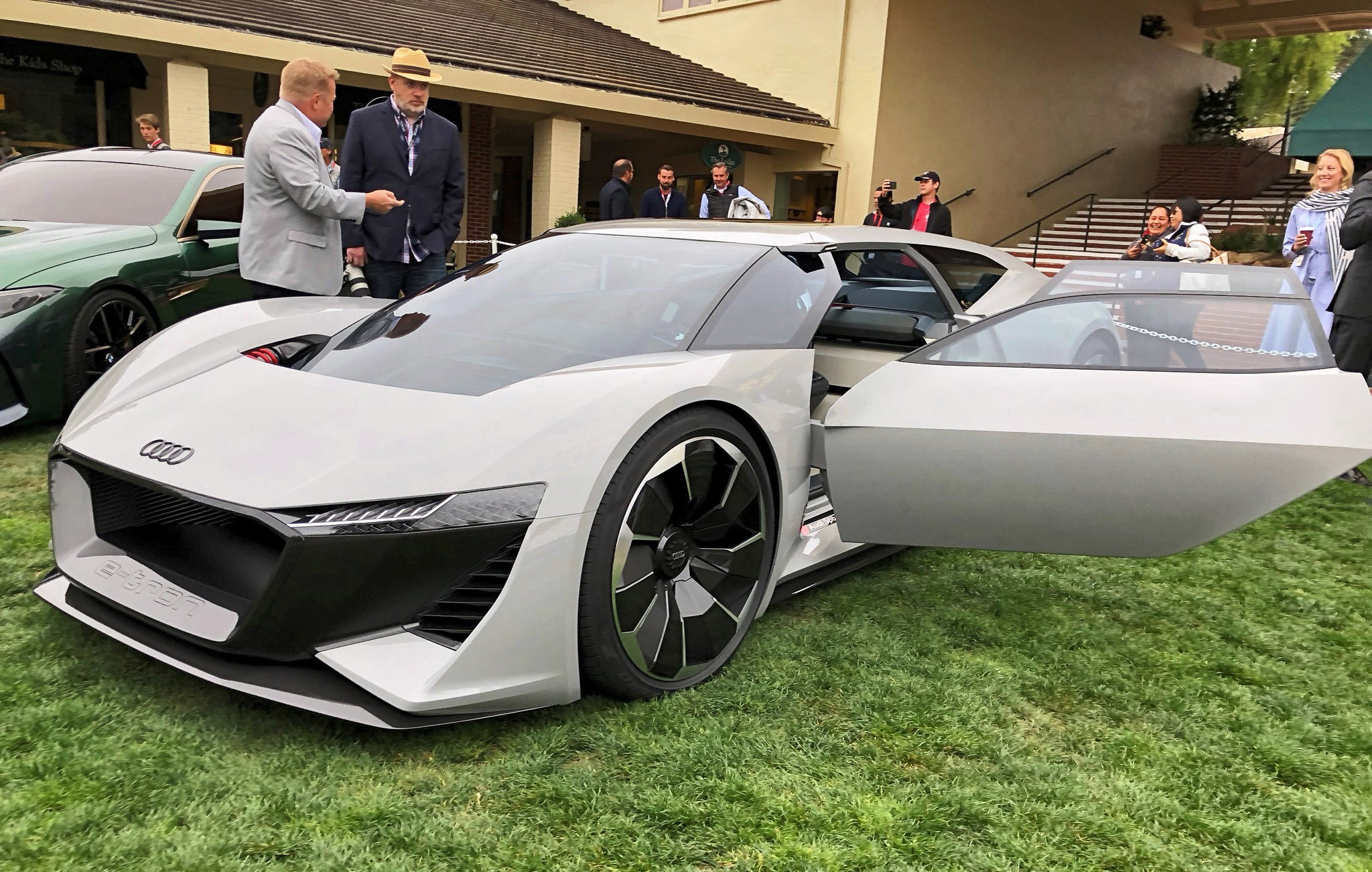 Pebble Beach 2018 Debut Audi Pb18 E Tron Concept By