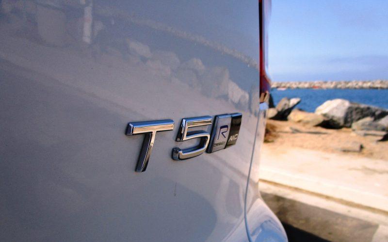 2019 Volvo XC40 T5 AWD R-Design 10