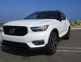 2019 Volvo XC40 T5 AWD R-Design – Road Test Review – By Ben Lewis
