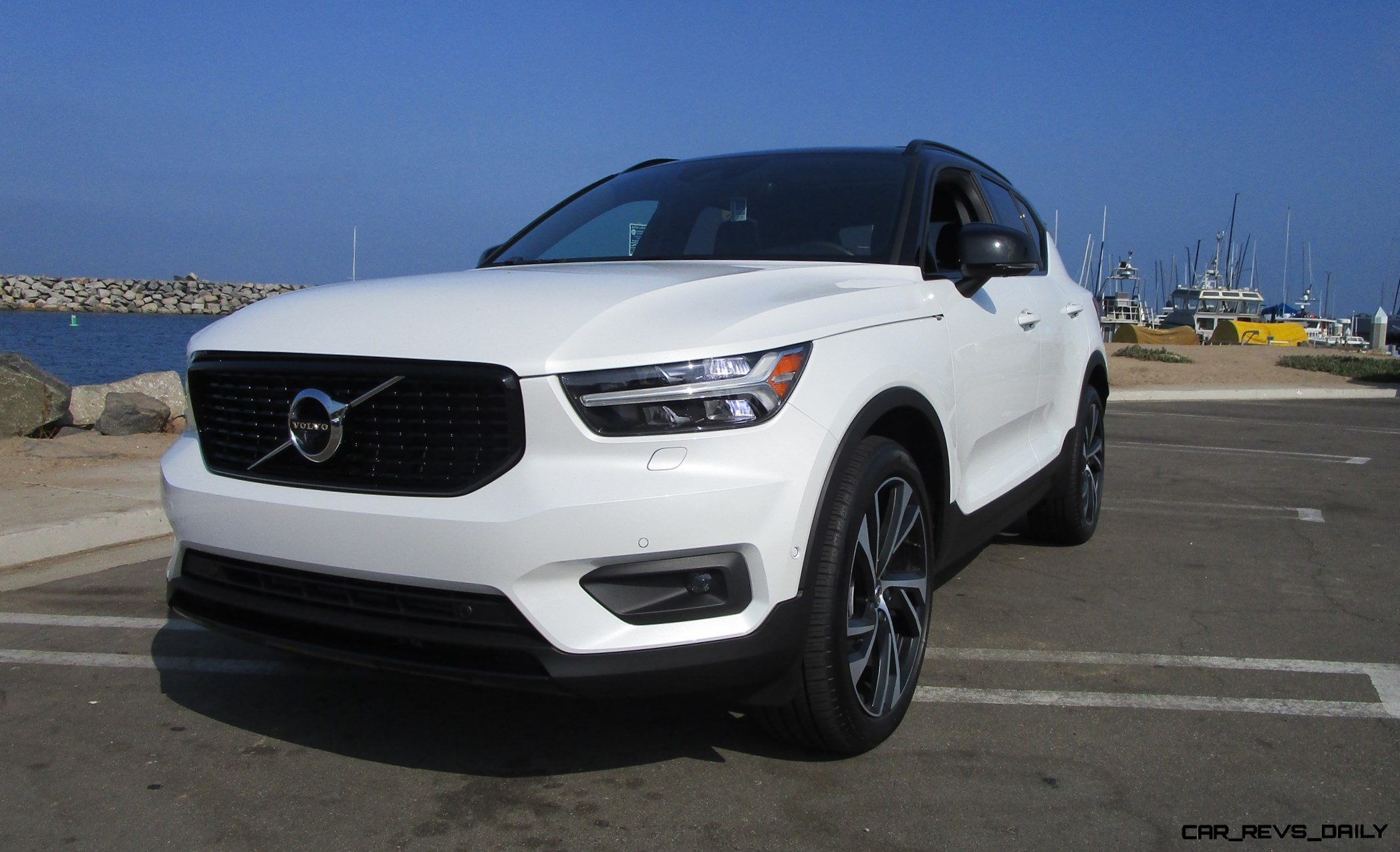 2019 Volvo Xc40 T5 Awd R Design Road Test Review By Ben Lewis Car Revs Daily Com
