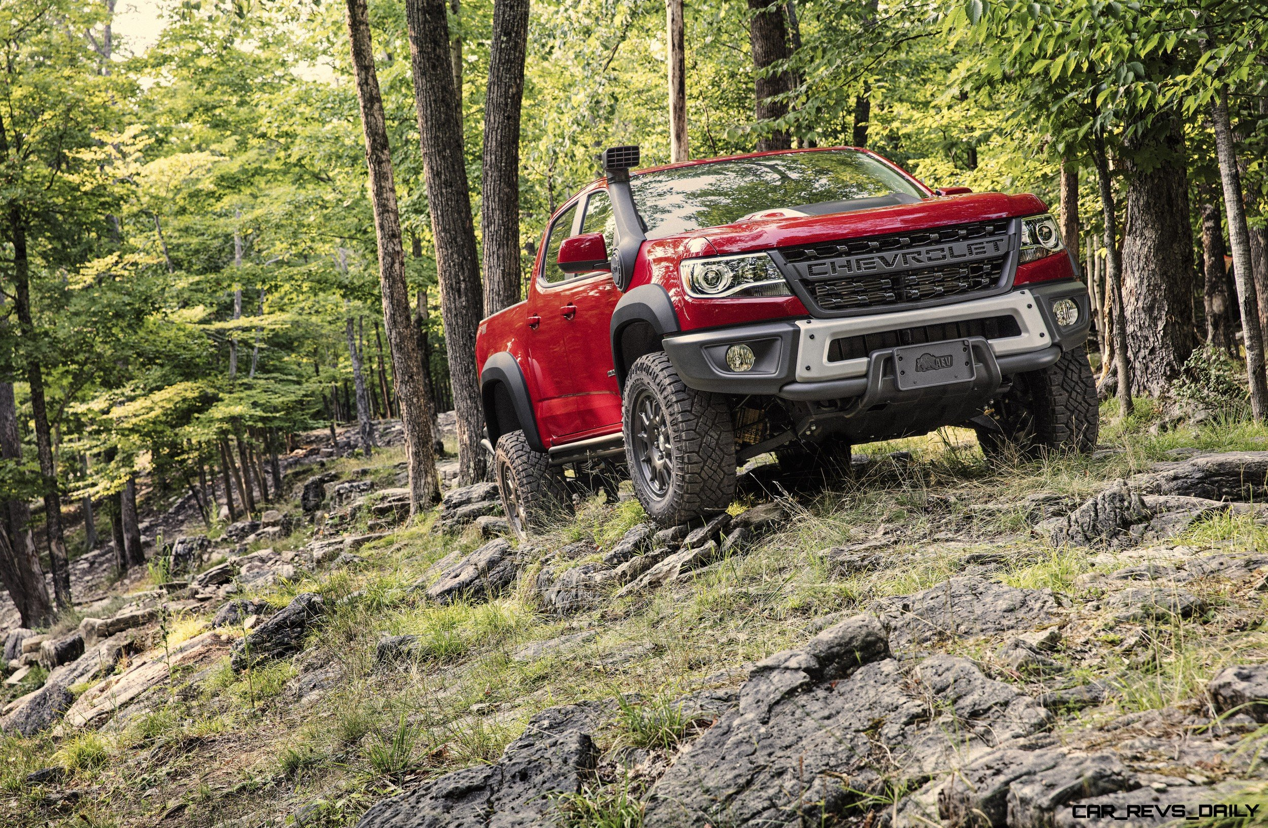 2019-Chevrolet-Colorado-ZR2-Bison-004