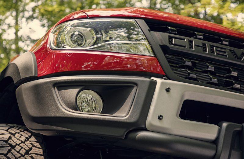 2019-Chevrolet-Colorado-ZR2-Bison-005