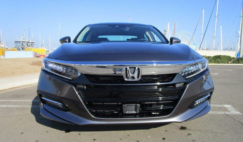 2018 Honda Accord Hybrid Touring 11