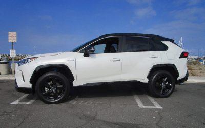 2019 Toyota RAV4 XSE Hybrid 27