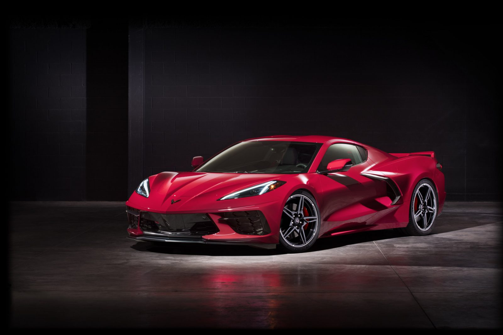 2020-Chevrolet-Corvette-Stingray-048