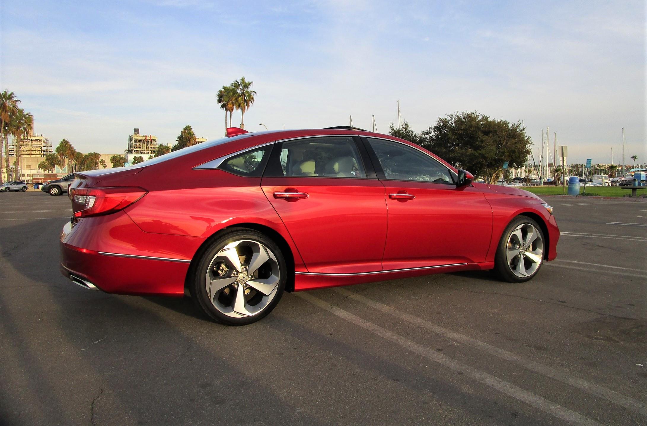 2020 Honda Accord Touring 2 0t Review By Ben Lewis Car Shopping Car Revs Daily Com