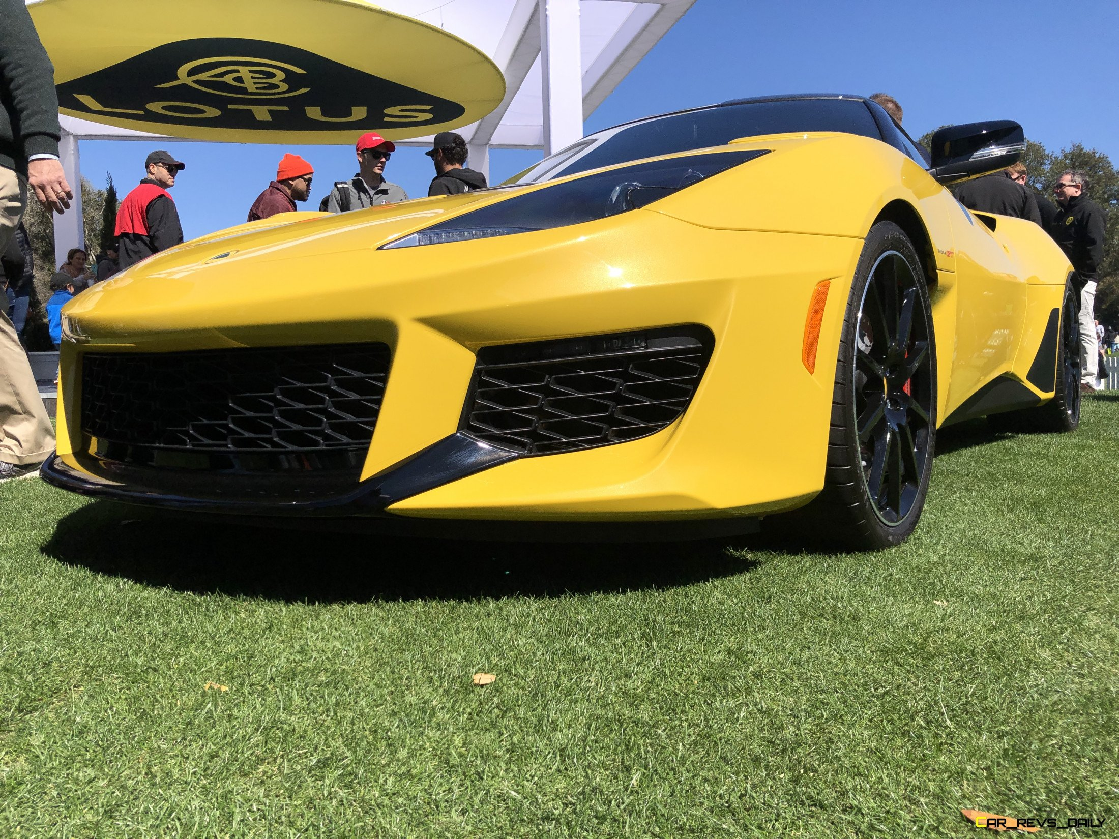 Auto Insider The Best Accessories To Add To Your New Sportscar Crd Auto Industry Insiders Car Revs Daily Com