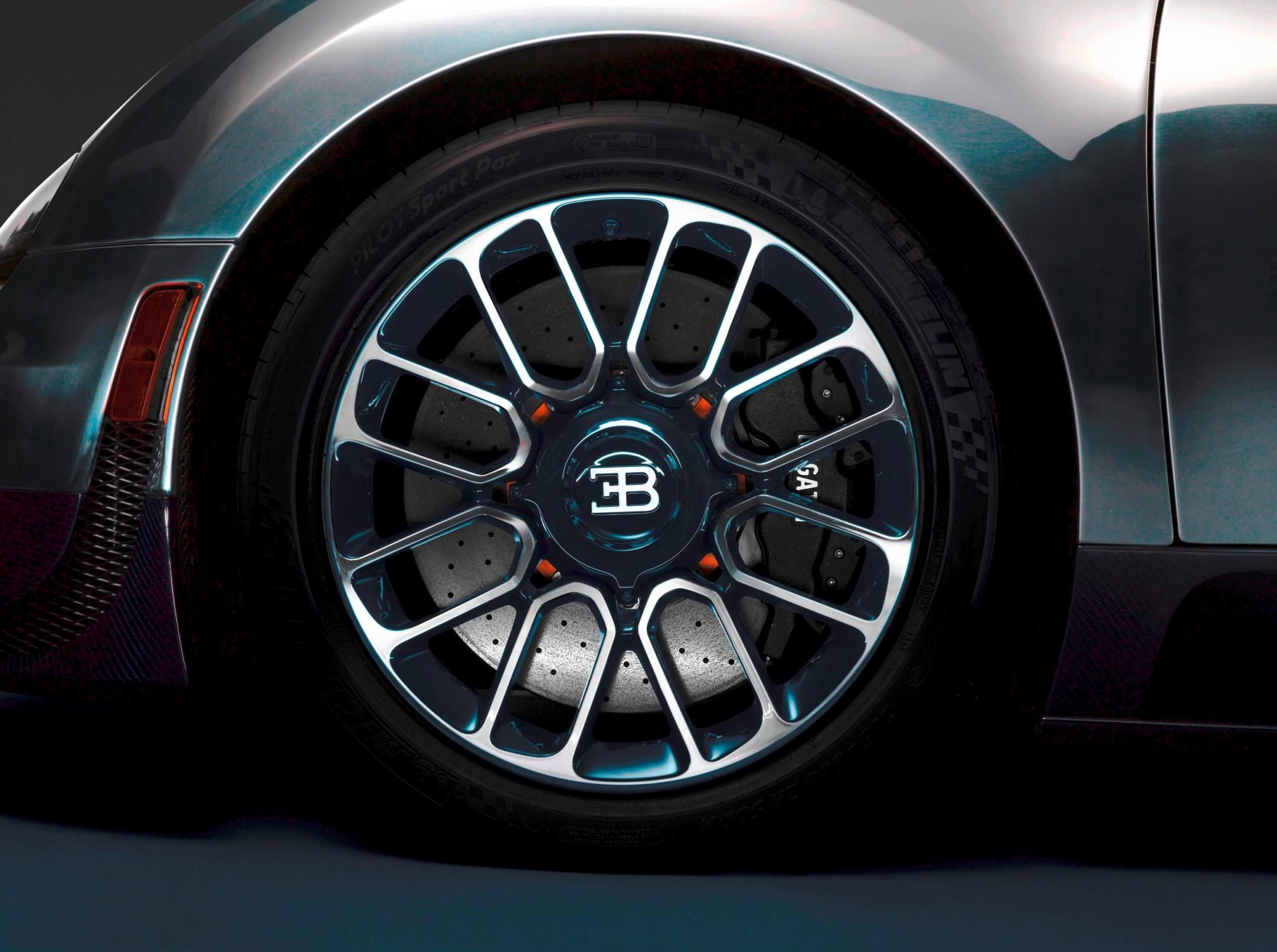 006_Legend_Ettore_Bugatti_Wheel