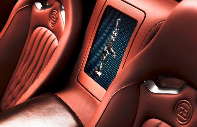 011_Legend_Ettore_Bugatti_Centre_Box