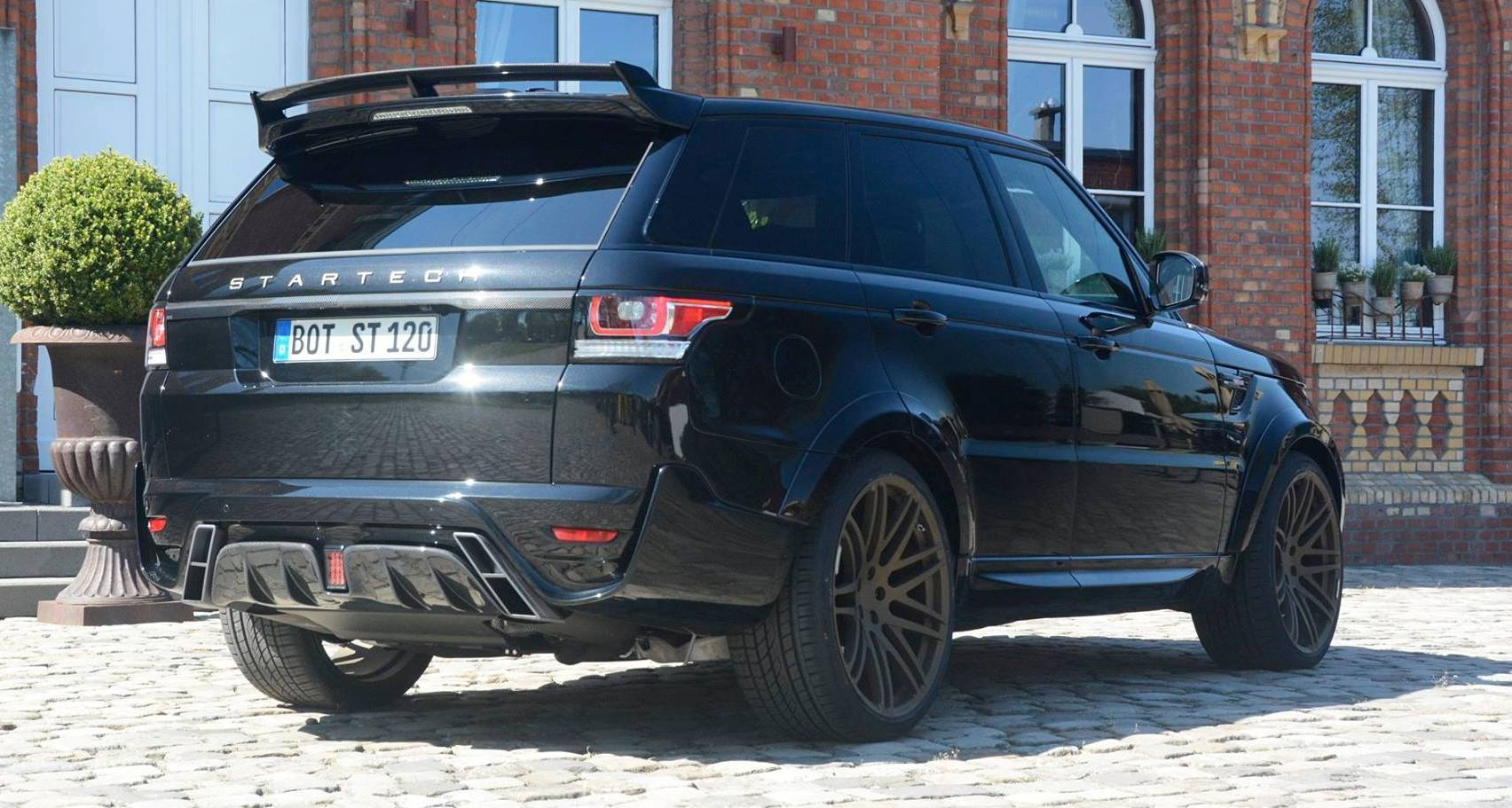 2014 range rover sport startech widebody on 23 inch wheels looks amazing. Black Bedroom Furniture Sets. Home Design Ideas
