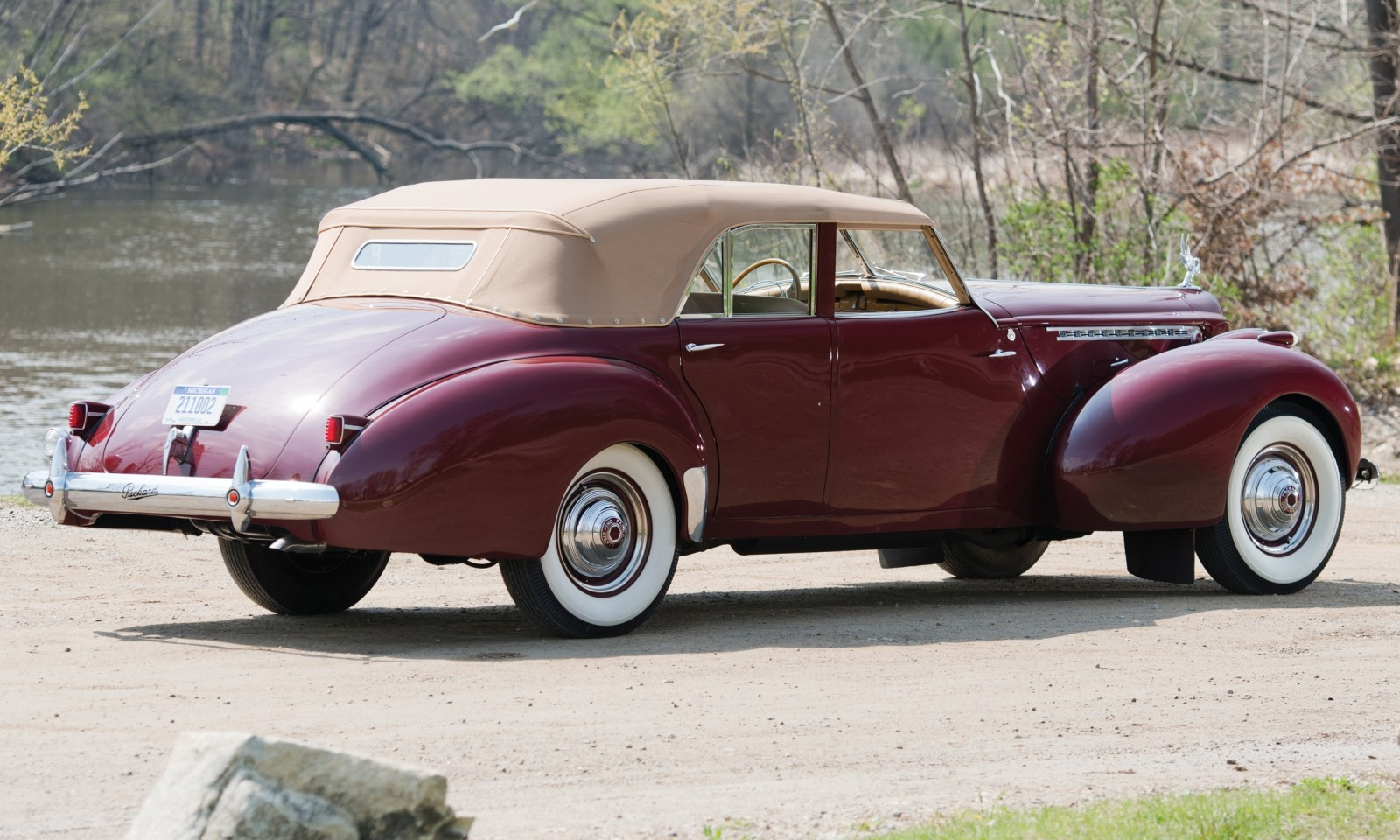 1940 Packard Custom Super Eight Convertible Sedan by Darrin 22