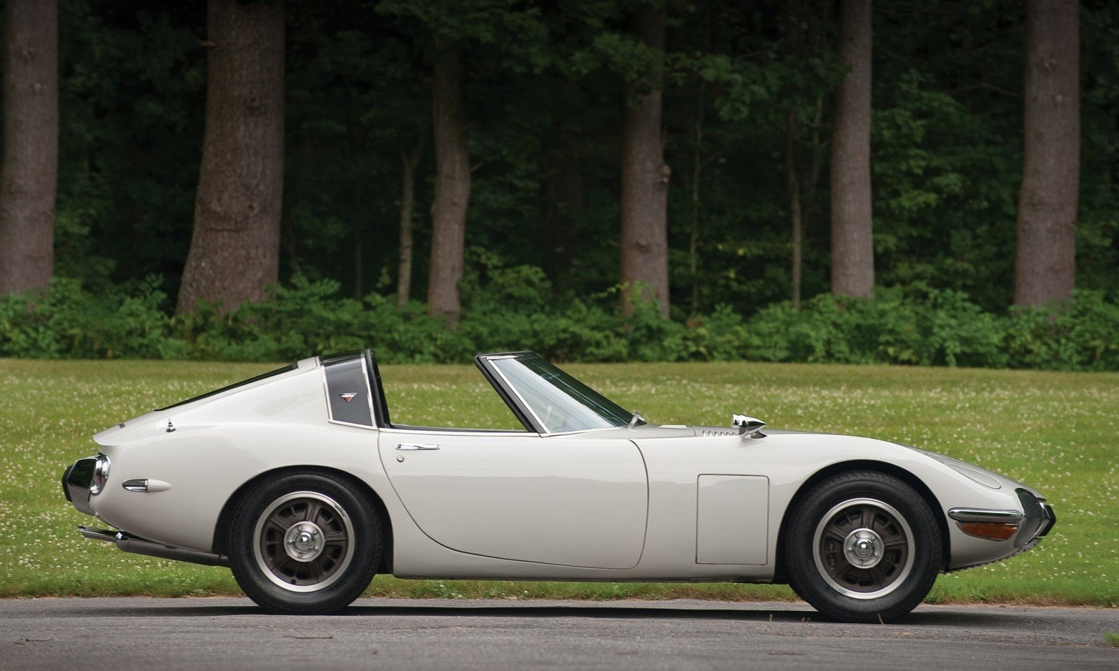 1966 Toyota 2000GT Targa - Bond Movie Car Idea Realized, But Earned Only $200k in RM Auctions London 2010 25