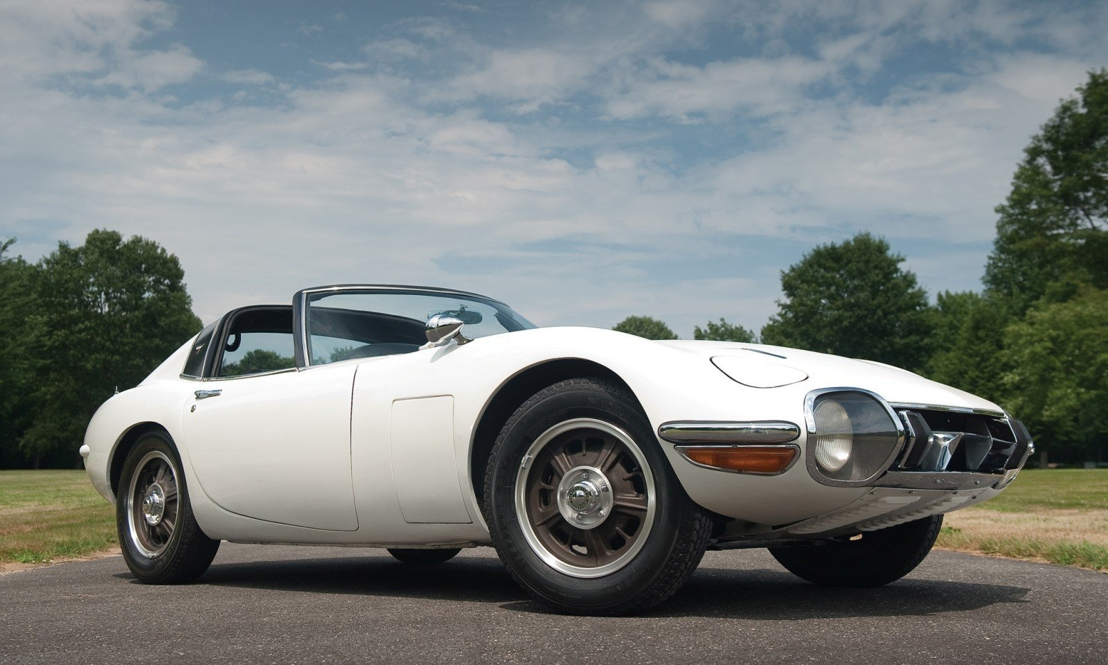1966 Toyota 2000GT Targa - Bond Movie Car Idea Realized, But Earned Only $200k in RM Auctions London 2010 26