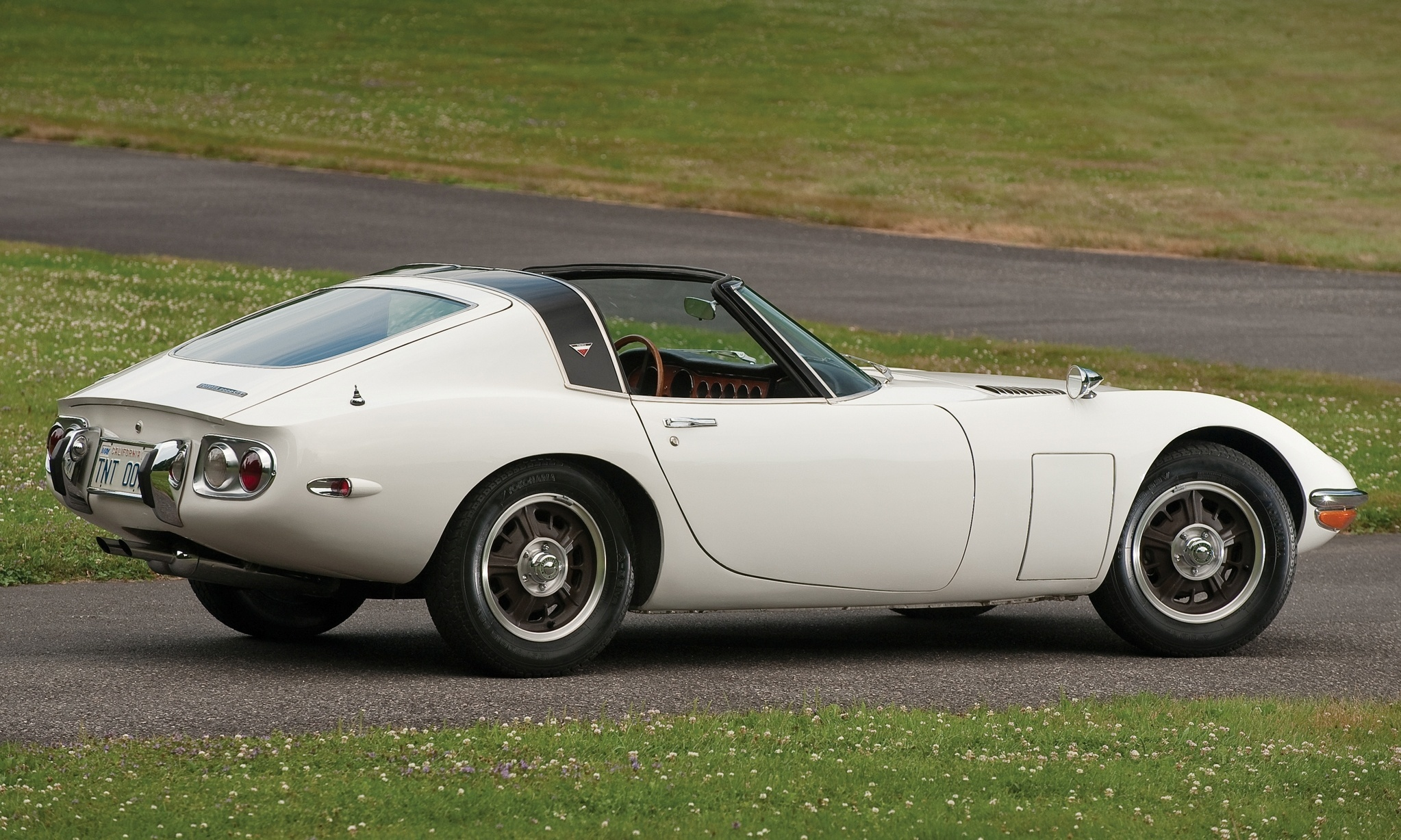 1966 toyota 2000gt targa bond movie car idea realized but earned only 200k in rm auctions. Black Bedroom Furniture Sets. Home Design Ideas