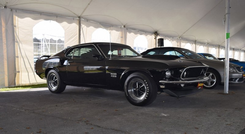 1969 Ford Mustang BOSS 429 in Raven Black 15