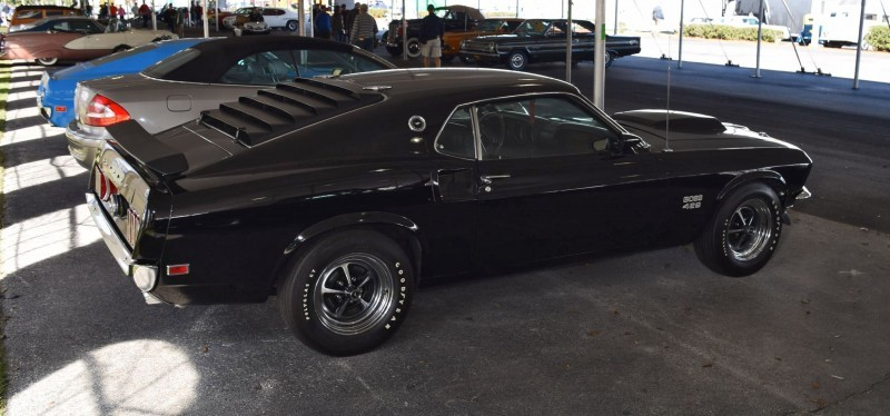 1969 Ford Mustang BOSS 429 in Raven Black 20