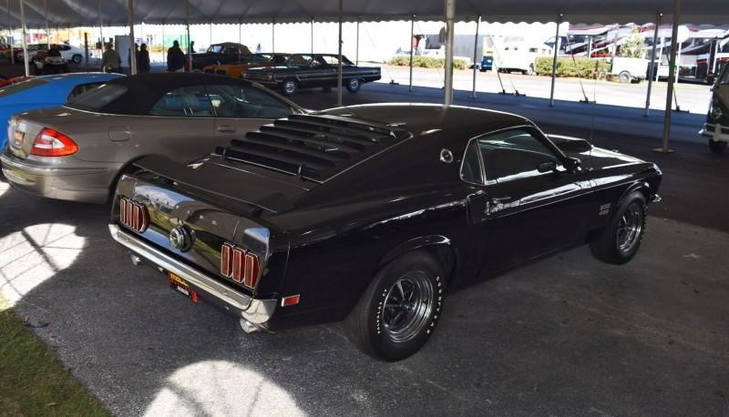 1969 Ford Mustang BOSS 429 in Raven Black 21