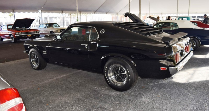 1969 Ford Mustang BOSS 429 in Raven Black 25