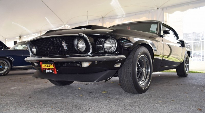 1969 Ford Mustang BOSS 429 in Raven Black 28