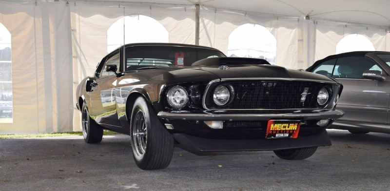 1969 Ford Mustang BOSS 429 in Raven Black 3