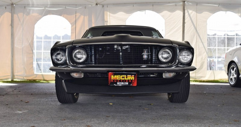 1969 Ford Mustang BOSS 429 in Raven Black 33