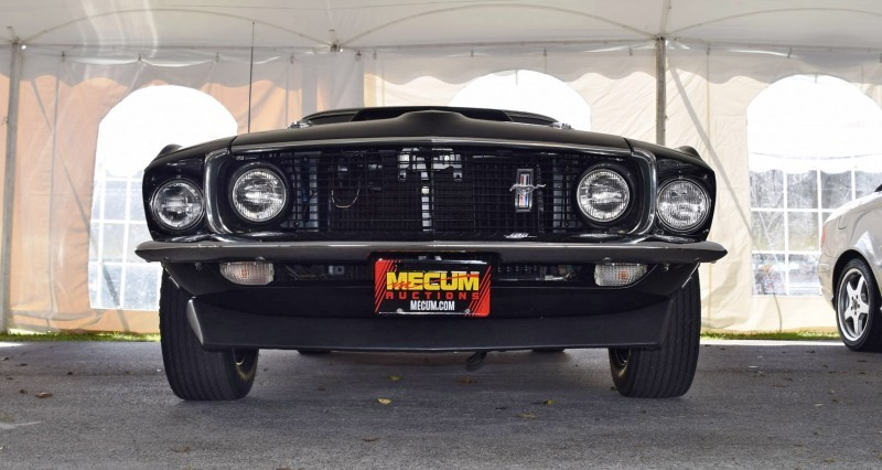 1969 Ford Mustang BOSS 429 in Raven Black 34