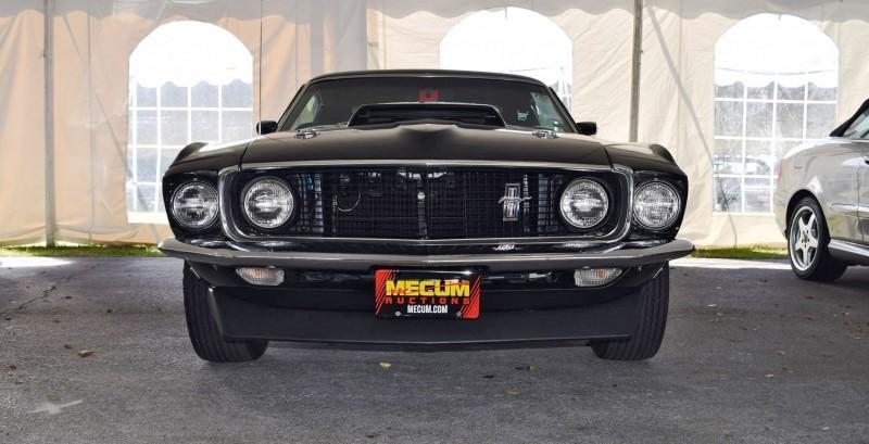 1969 Ford Mustang BOSS 429 in Raven Black 35