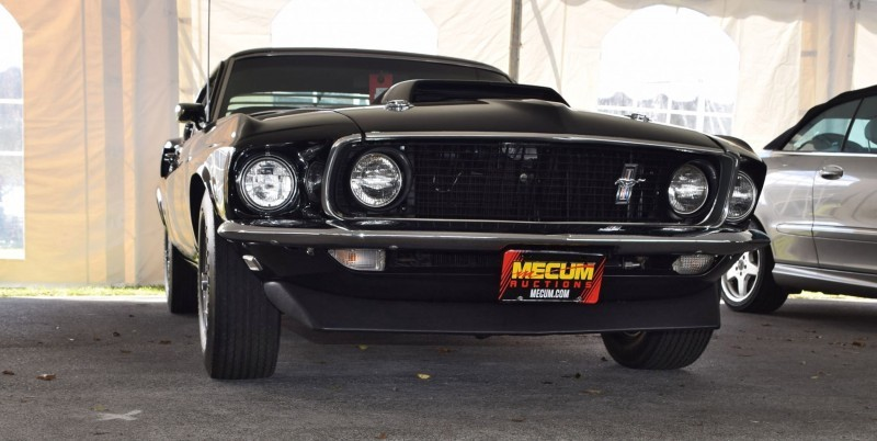 1969 Ford Mustang BOSS 429 in Raven Black 4