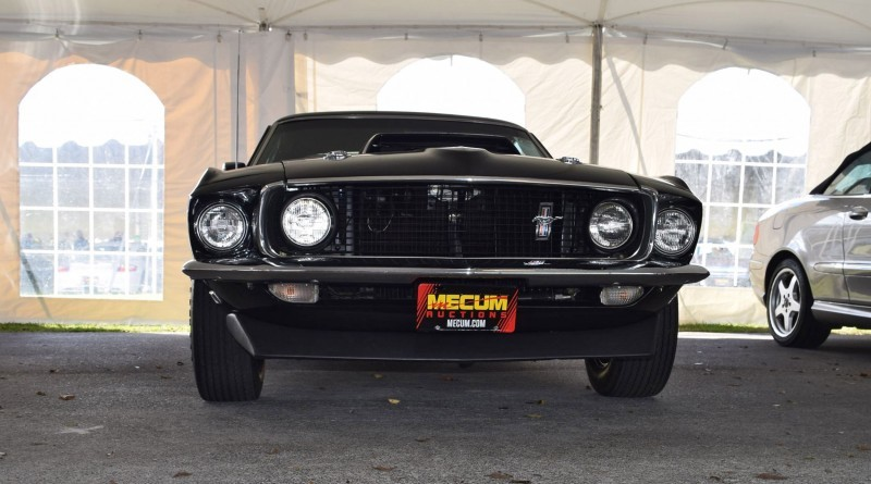 1969 Ford Mustang BOSS 429 in Raven Black 5