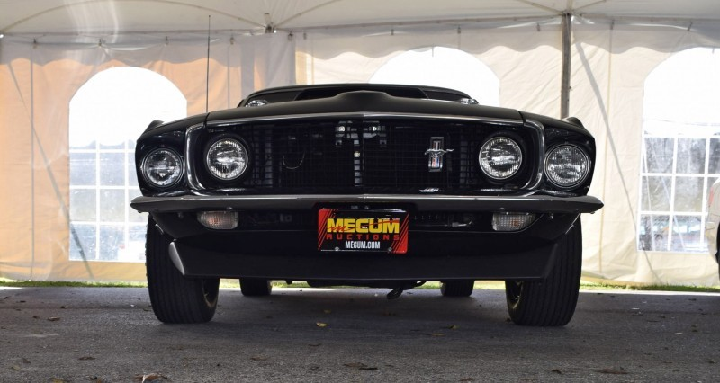 1969 Ford Mustang BOSS 429 in Raven Black 6