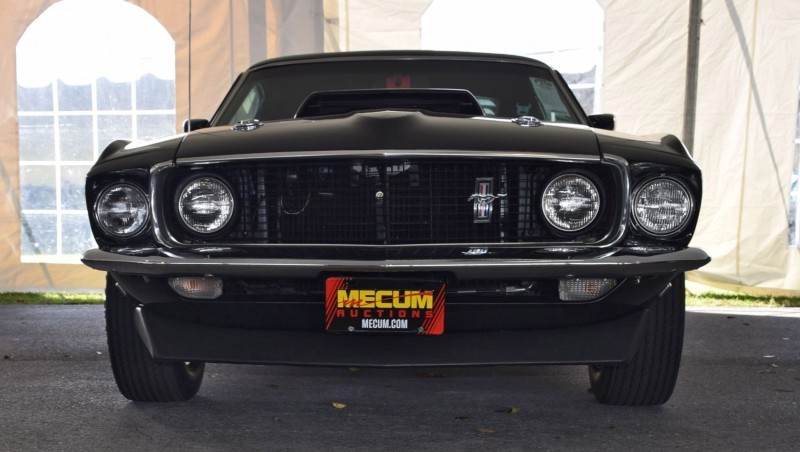 1969 Ford Mustang BOSS 429 in Raven Black 7