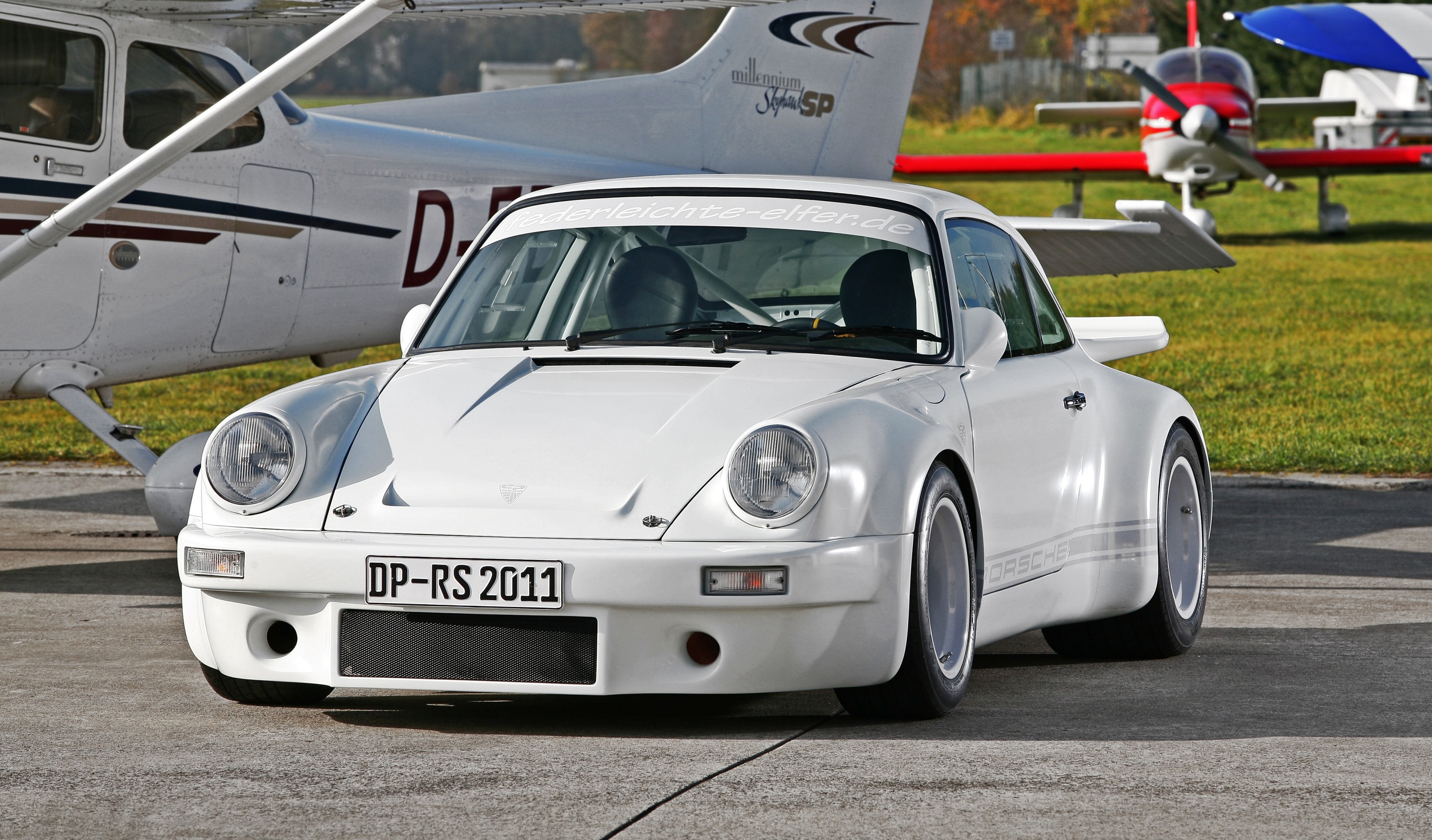 1973 Porsche 911 Lightweight Carbon Widebody By Dp Motorsport 310hp For Only 2 000 Lbs Car Revs Daily Com