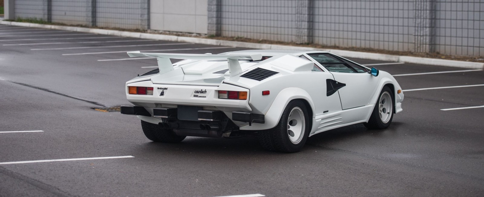 1988 5 Lamborghini Countach 5000 Qv In Bianco White Is As New Just 8k Miles